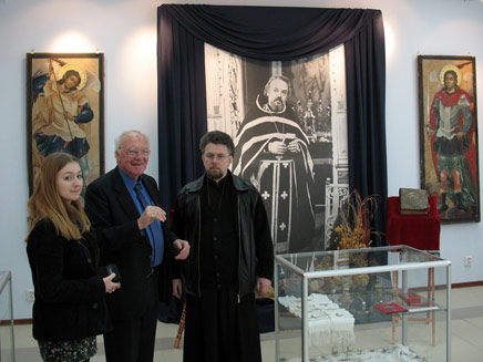 Fr Victor Grigorenko in the Alexander Men museum 10.jpg